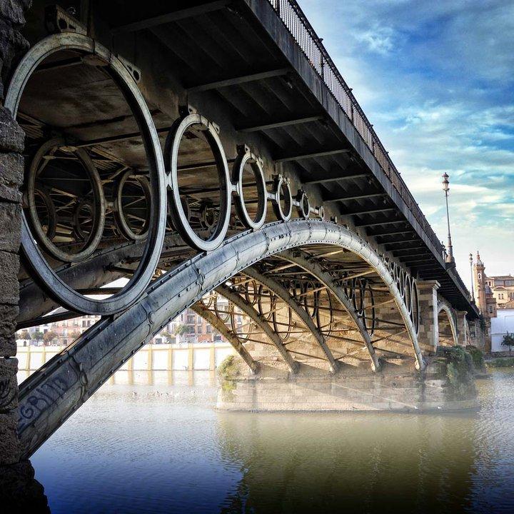 El puente de Triana en Sevilla