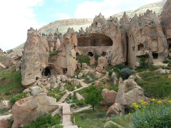 cappadocia-cave-dwellings