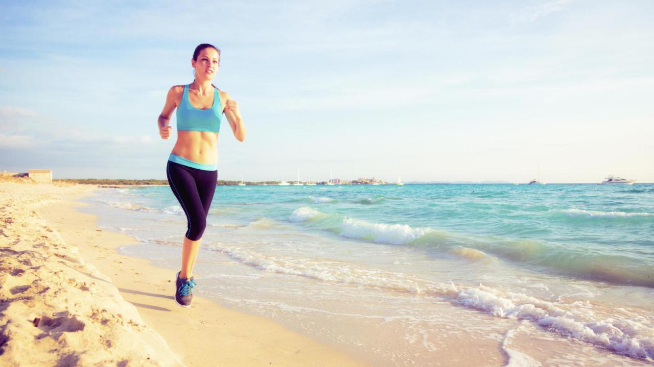diez-impresionantes-ejercicios-a-practicar-para-perder-peso-en-la-playa