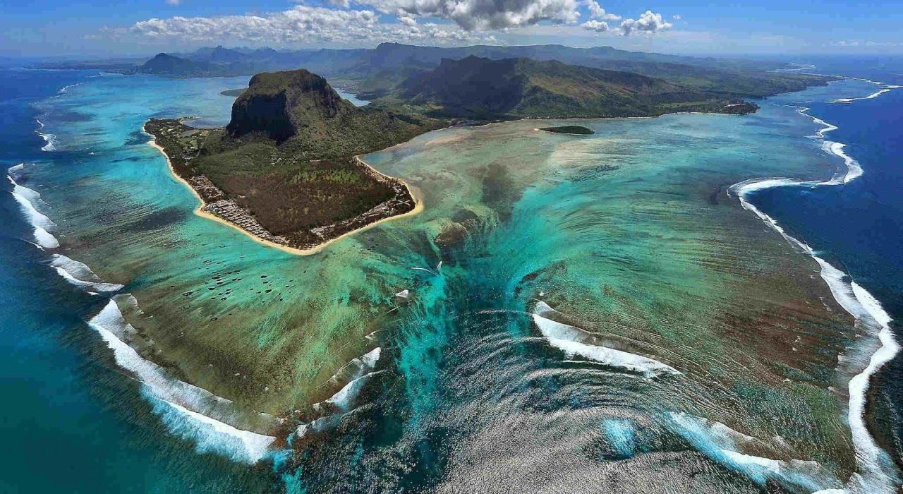 las-espectaculares-cataratas-submarinas-de-la-isla-de-mauricio3