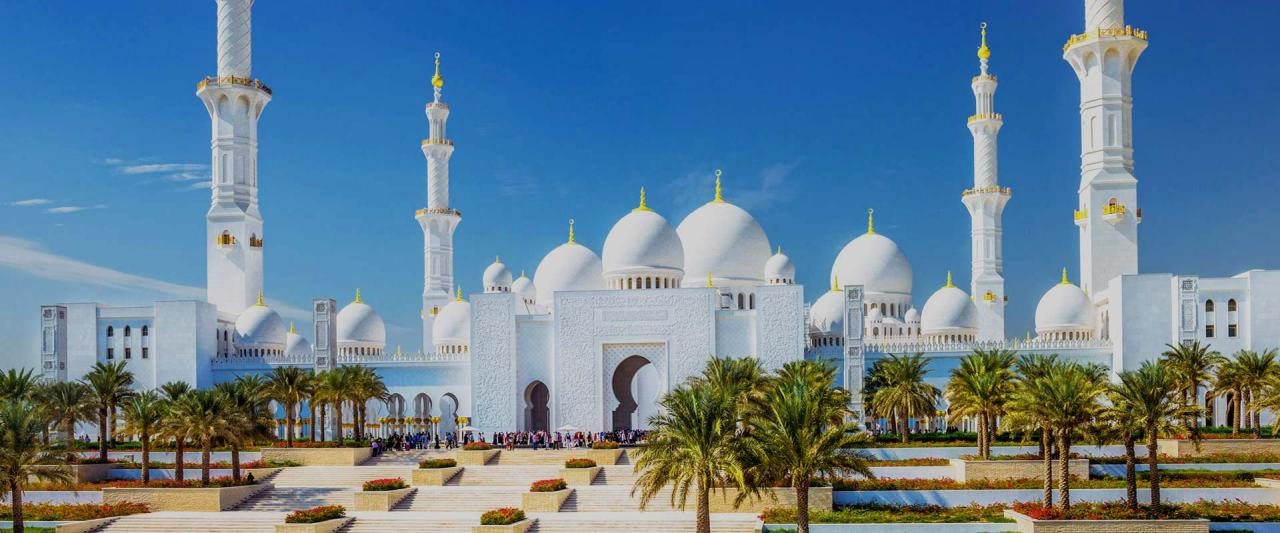 Abu-Dhabi-Sheikh-Zayed-Grand-Mosque-Big-Bus-Tours-Jan-2017